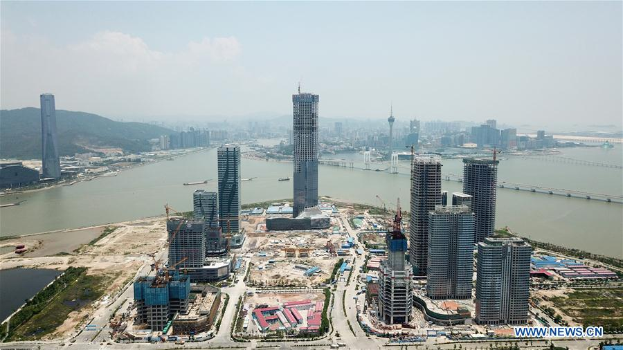 Construction of main structure of Zhuhai Hengqin Int'l Financial Center finished