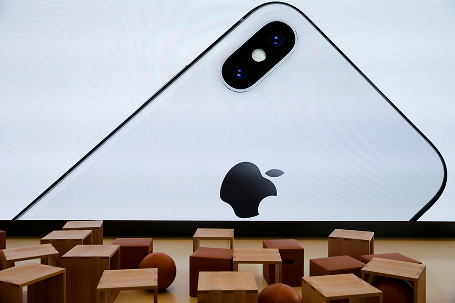 Apple rebates customers for battery replacements