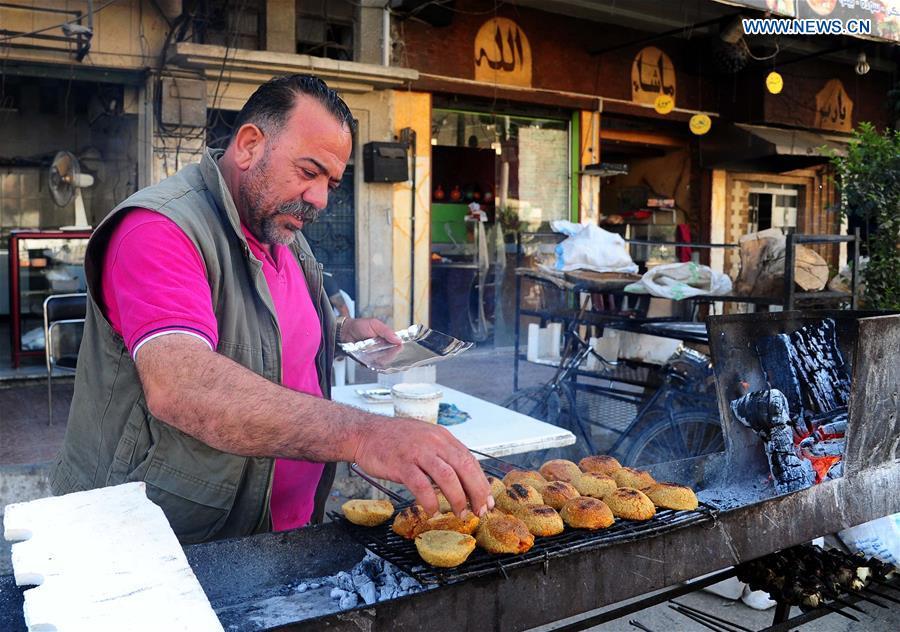 Daily life of Muslims during Ramadan across world