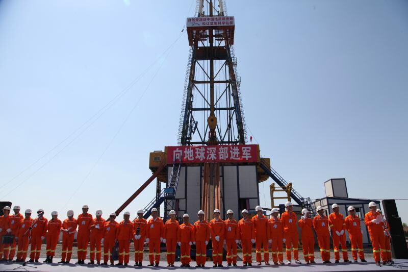 China sets new record in deep-well drilling
