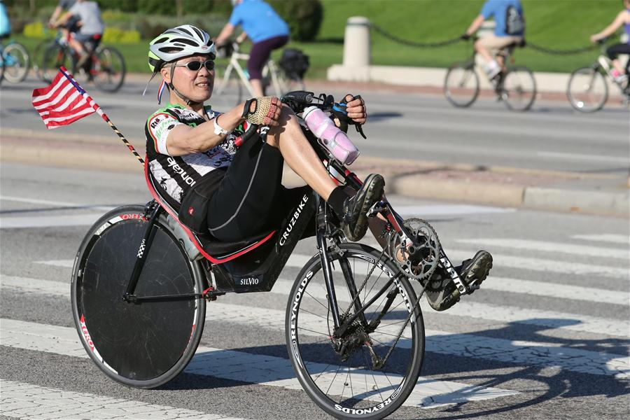 Thousands of cyclists participate in Bike the Drive in Chicago