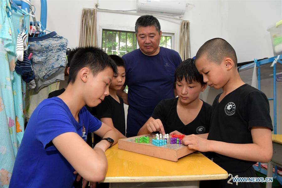 Children receive trainings for acrobatics in east China's Jiangxi