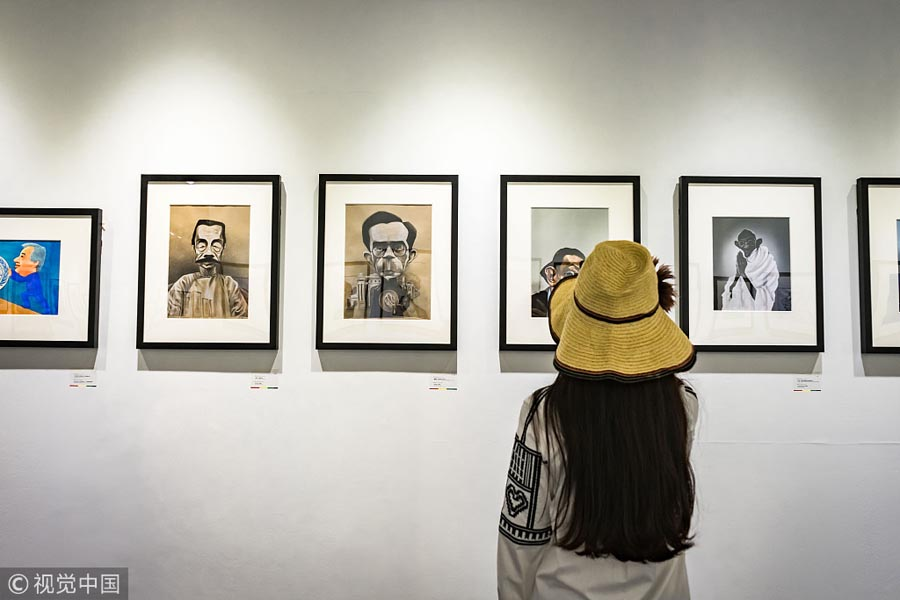 First int'l portraits and comics exhibition held in Beijing