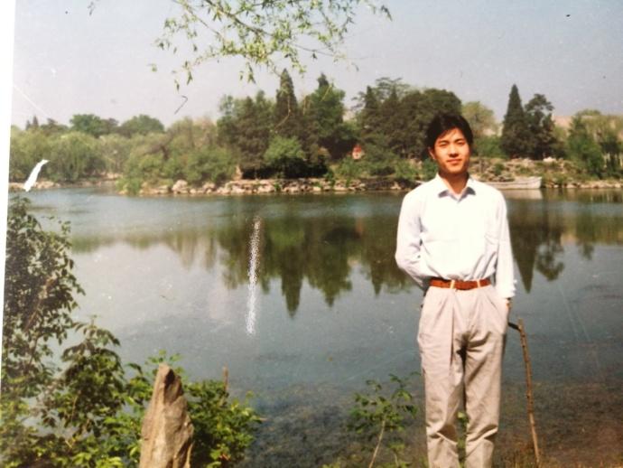 Li Yanhong at a young age [Photo: Baidu Weibo]