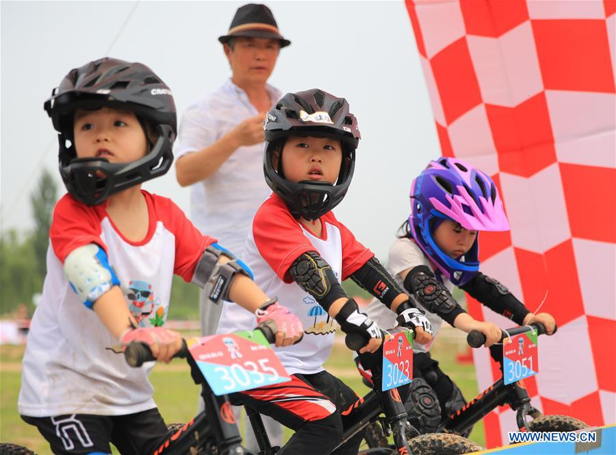 Balance bike contest held in north China's Hebei