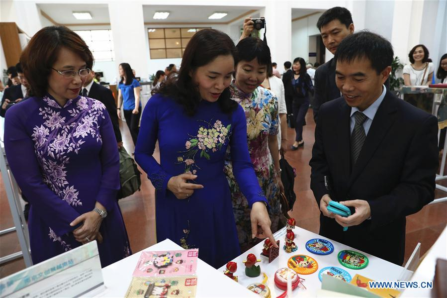 Feature: Vietnamese charmed by Chinese cultural products encapsulating tradition, modernity