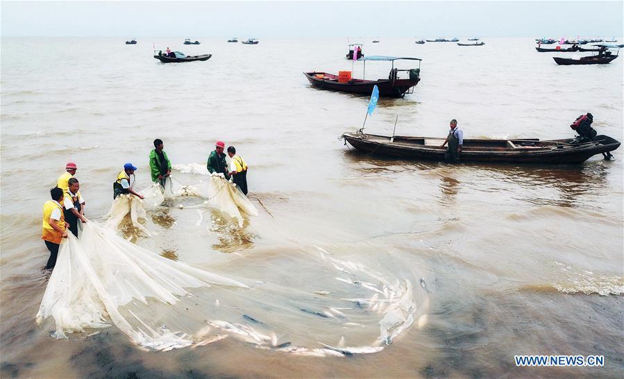 Fishing ban on China's Poyang Lake lifted
