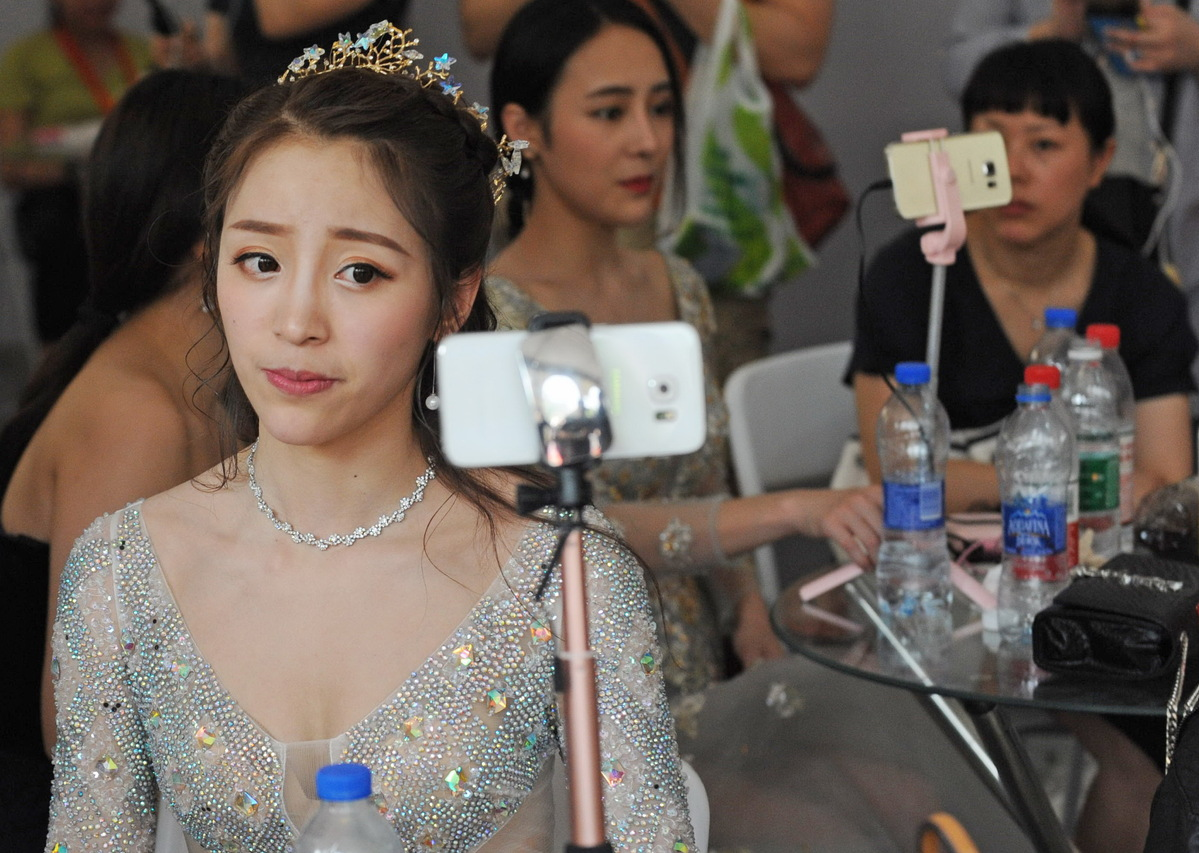 Cyber celebrity industry booms in China