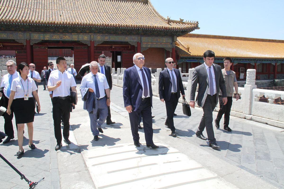 Azerbaijani parliamentary delegation visits China