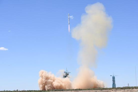 Two satellites are launched for Pakistan on a Long March-2C rocket from the Jiuquan Satellite Launch Center in northwest China at 11:56 a.m., July 9, 2018. (Photo: China News Service/Wang Jiangbo)