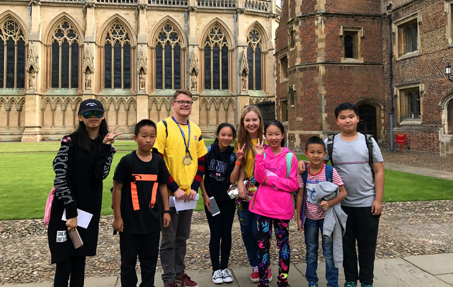 Why do Chinese flock to Britain for holiday learning