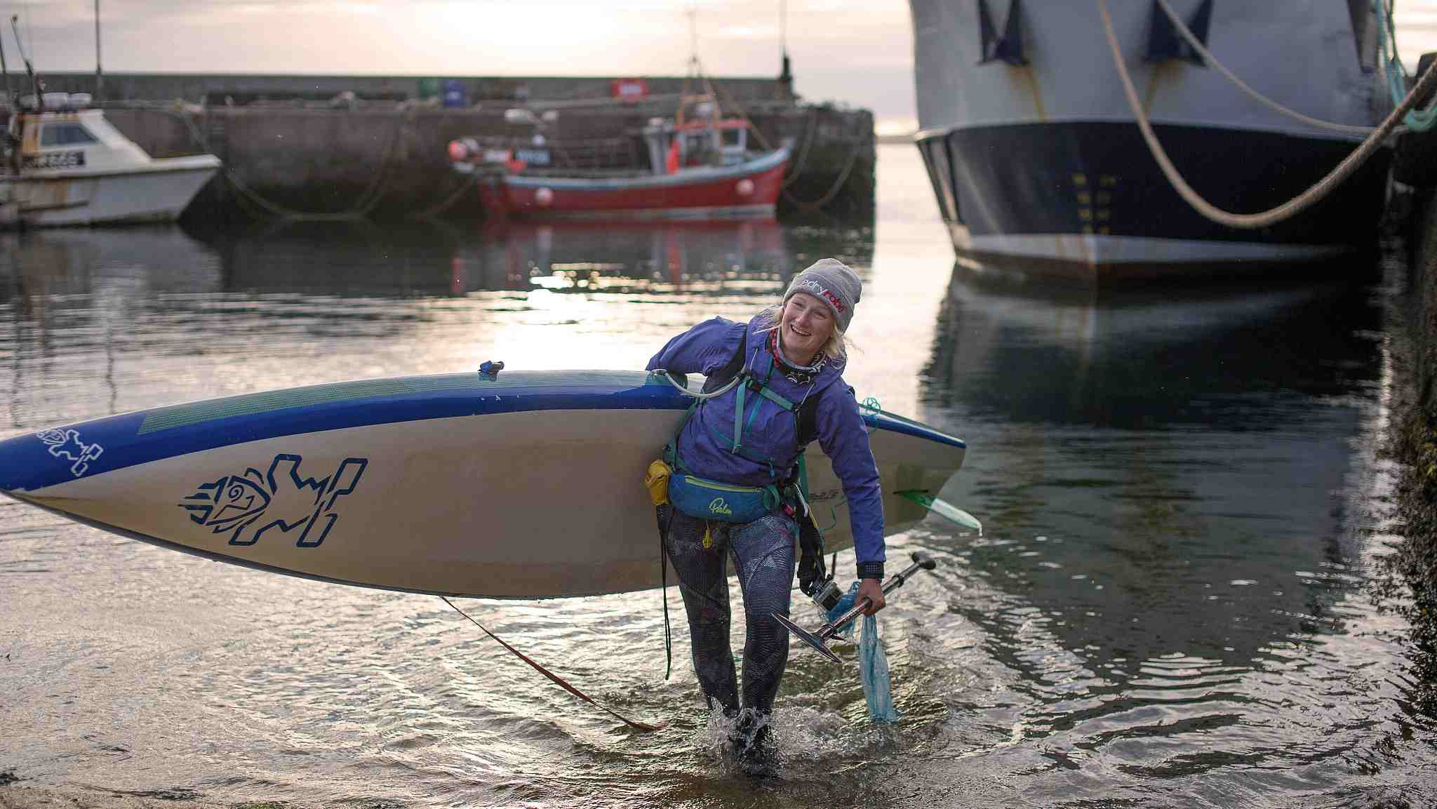 Young women travels 1,000 miles to raise awareness about protecting the ocean.