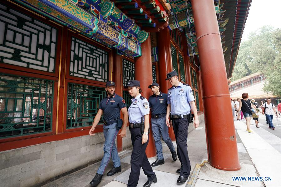 Chinese, Italian police officers conduct joint patrol in China