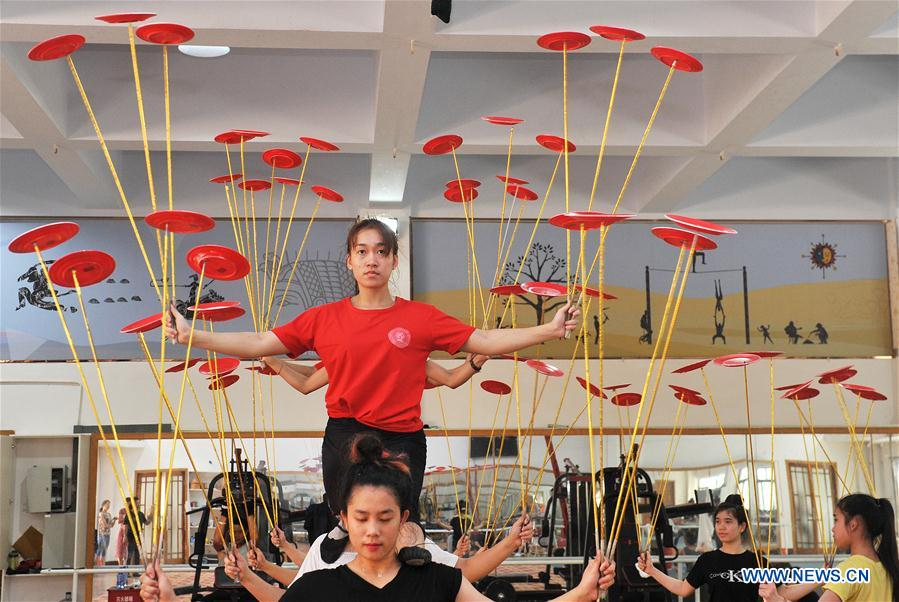 "Cangzhou: ""the home of acrobatics"" in China"