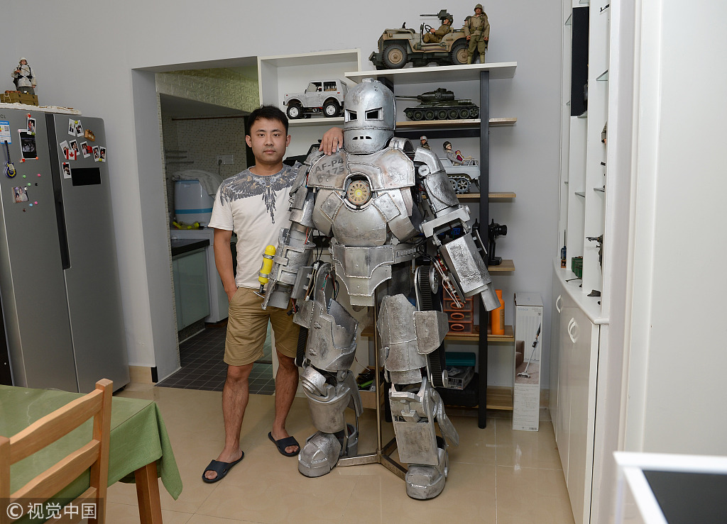 Sichuan man builds wearable Iron Man armor