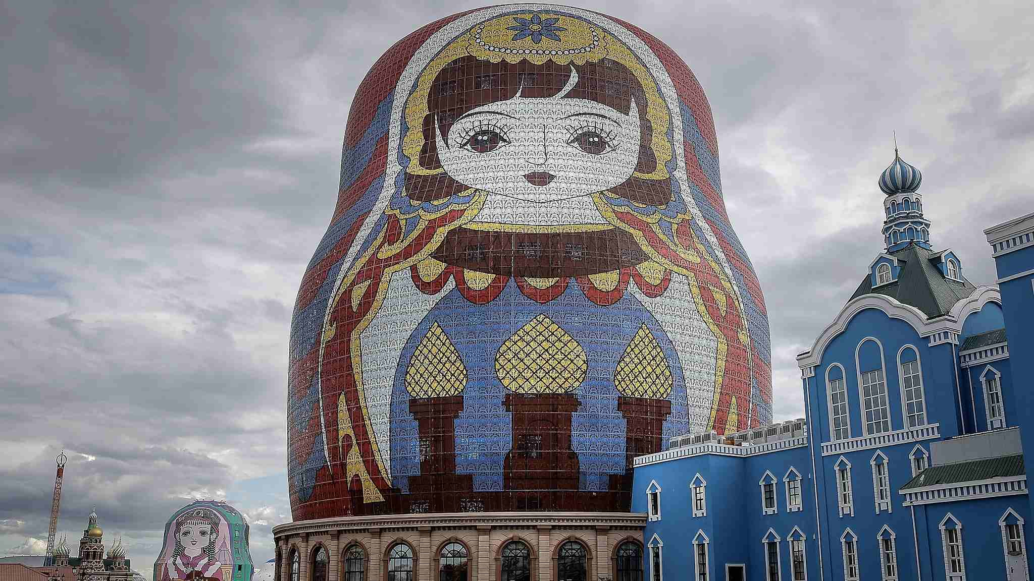 Russian doll themed park woos crowds in Inner Mongolia