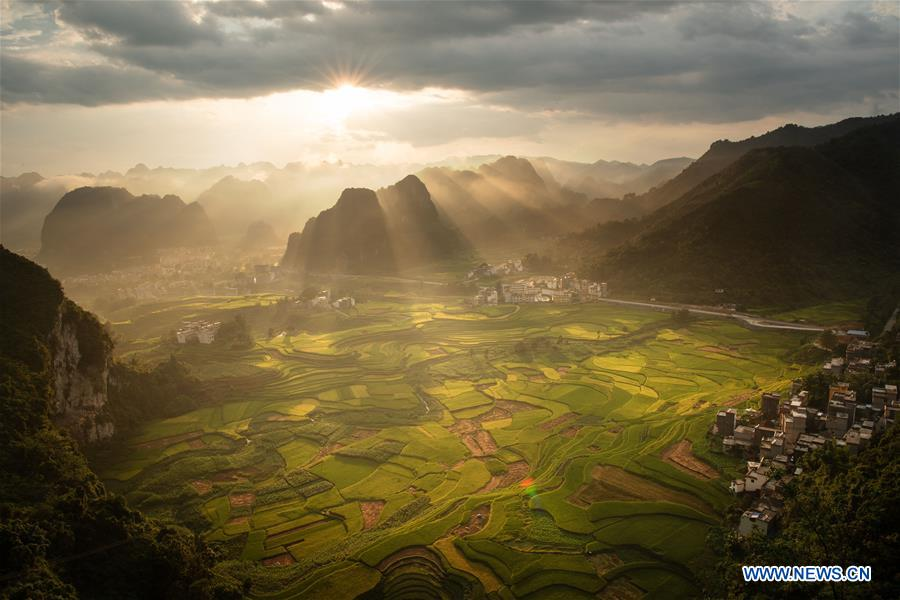 Breathtaking autumn scenery across China