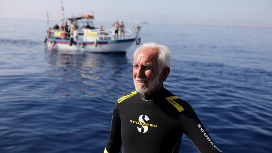 World's oldest scuba diver breaks own record on 95th birthday