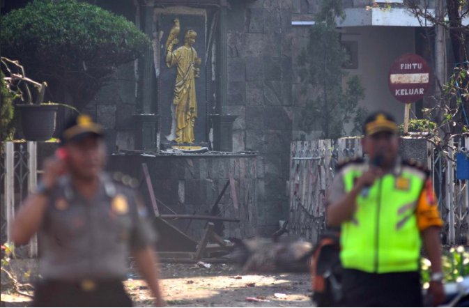 Suspected IS-inspired suicide bombers attack Indonesian churches, at least nine dead