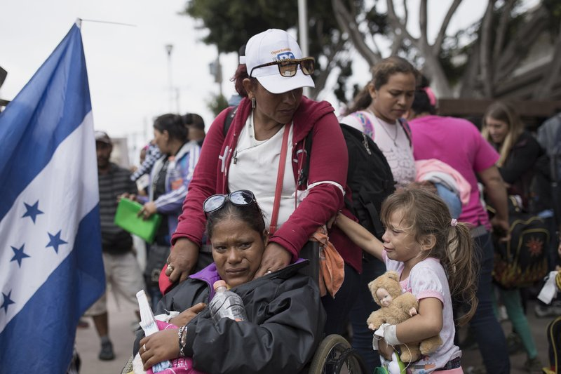 US says border crossing doesn't have room for asylum seekers