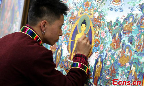 Exhibition gives visitors a glimpse of thangka painting