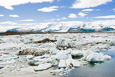 Melting of Arctic mountain glaciers unprecedented in past 4 centuries: study