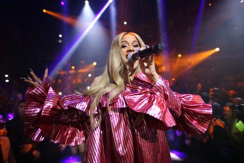 Cardi B, fast-rising woman of rap, reveals pregnancy on 'Saturday Night Live'