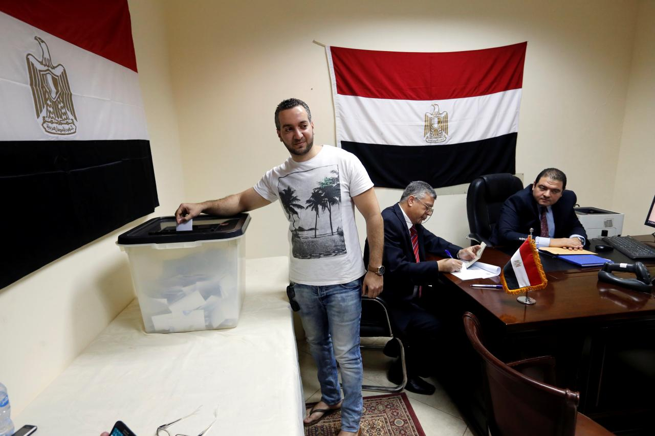 Ahead of contentious vote, Egypt sets sights on 'fake news'