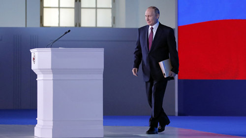 Putin hails Russia-China ties, vows stronger cooperation