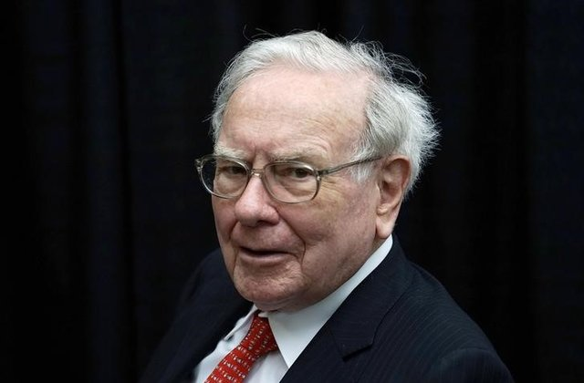 """Buffett sets big goals for CEO of Bezos-Dimon health venture""的图片搜索结果"