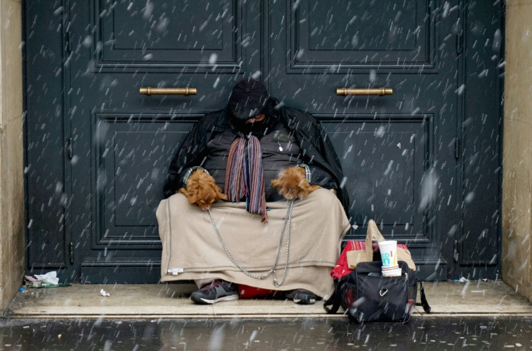 Counting the homeless in the City of Light