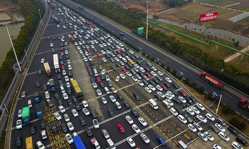 China's Spring Festival travel rush recedes