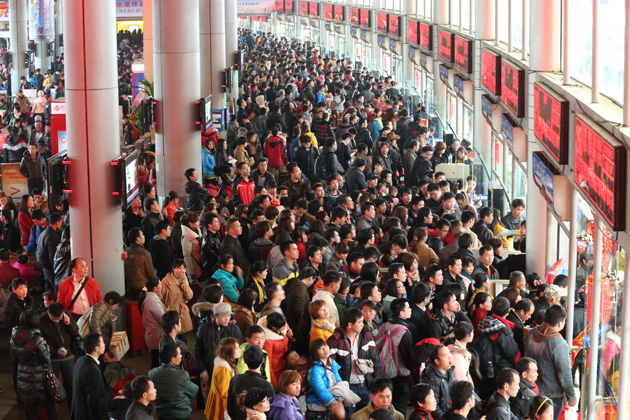 Six out of ten rail travelers to take high-speed trains in Chinese New Year travel rush