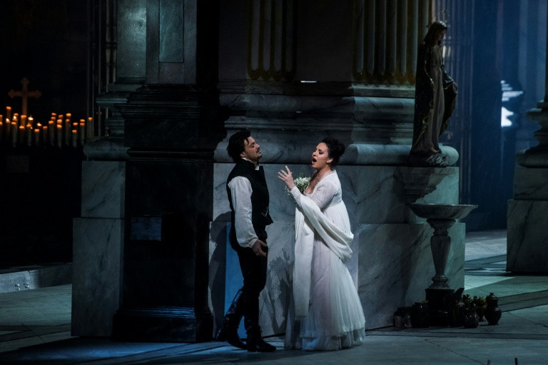Met Opera's 'Tosca' rises after backstage chaos