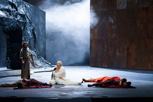 Chinese stage adaptation of Shakespeare's 'King Lear' returns to China