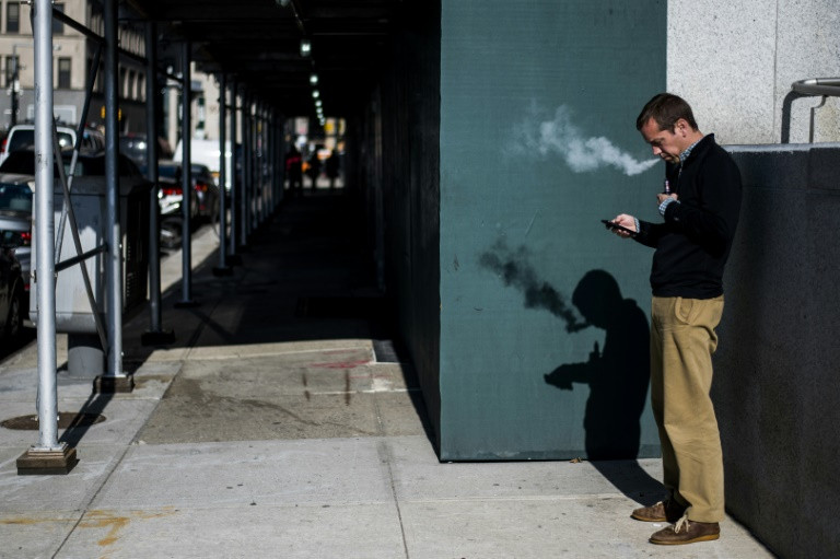 Vaping may be bad for kids, good for adults: study