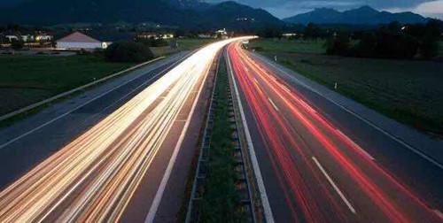 China to build intelligent 'super expressway'