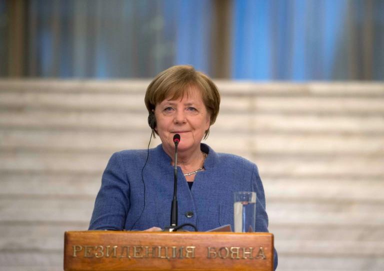 Germany's centre-left backs formal coalition talks with Merkel