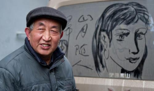 Retired art teacher creates intricate drawings on dusty cars