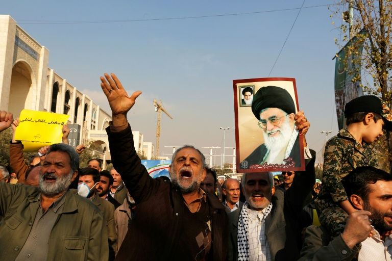 Pro-regime rallies in Tehran as US imposes sanctions