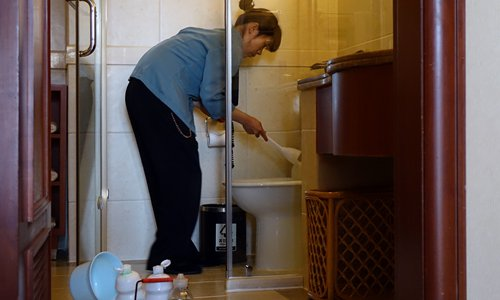 Luxury hotels under fire as video exposes unsanitary cleaning practices