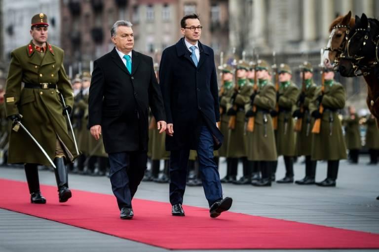 EU rebels Poland, Hungary show united front