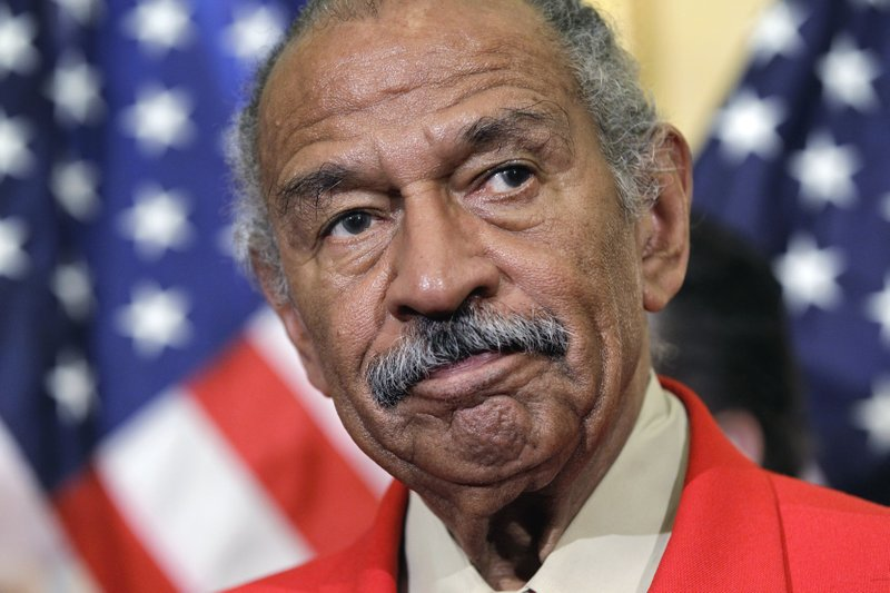 Pelosi says Conyers should resign from Congress