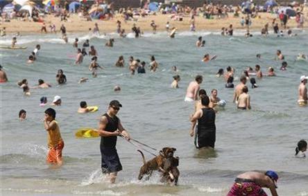 Record temperatures scorch Australia