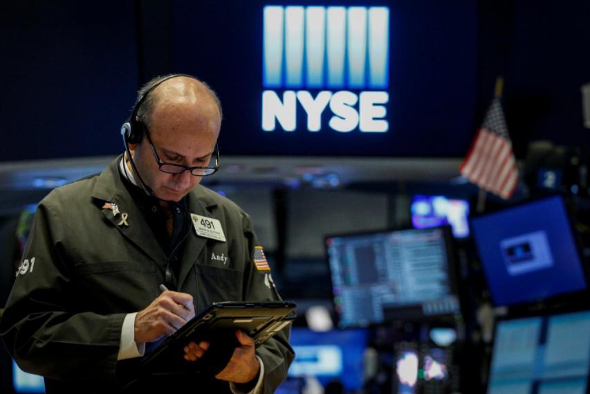 Wall Street buoyed by Amazon, retail stocks on Black Friday