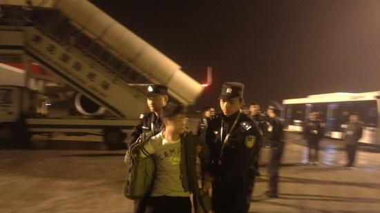 Sichuan airline flight forced to make emergency landing