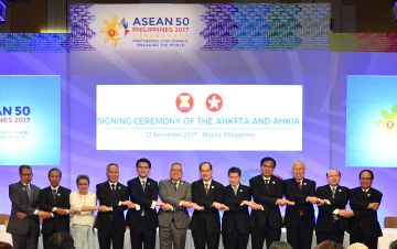 HK, China signs FTA and investment deal with ASEAN