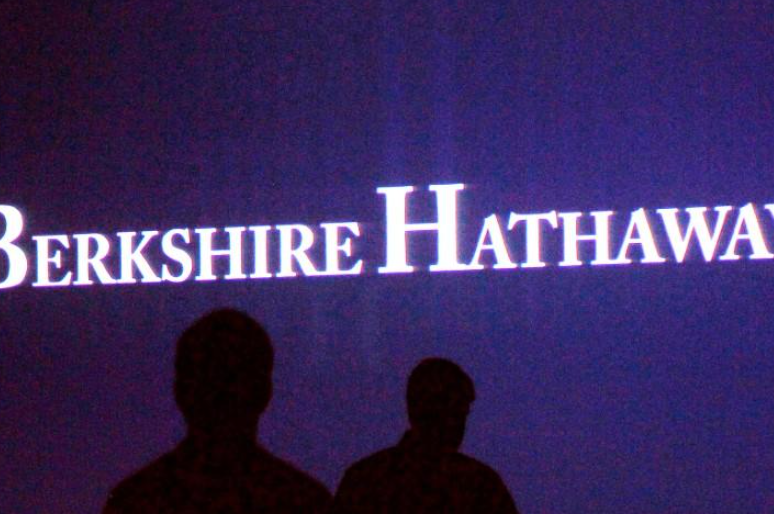 Storm losses reduce profit at Buffett's Berkshire