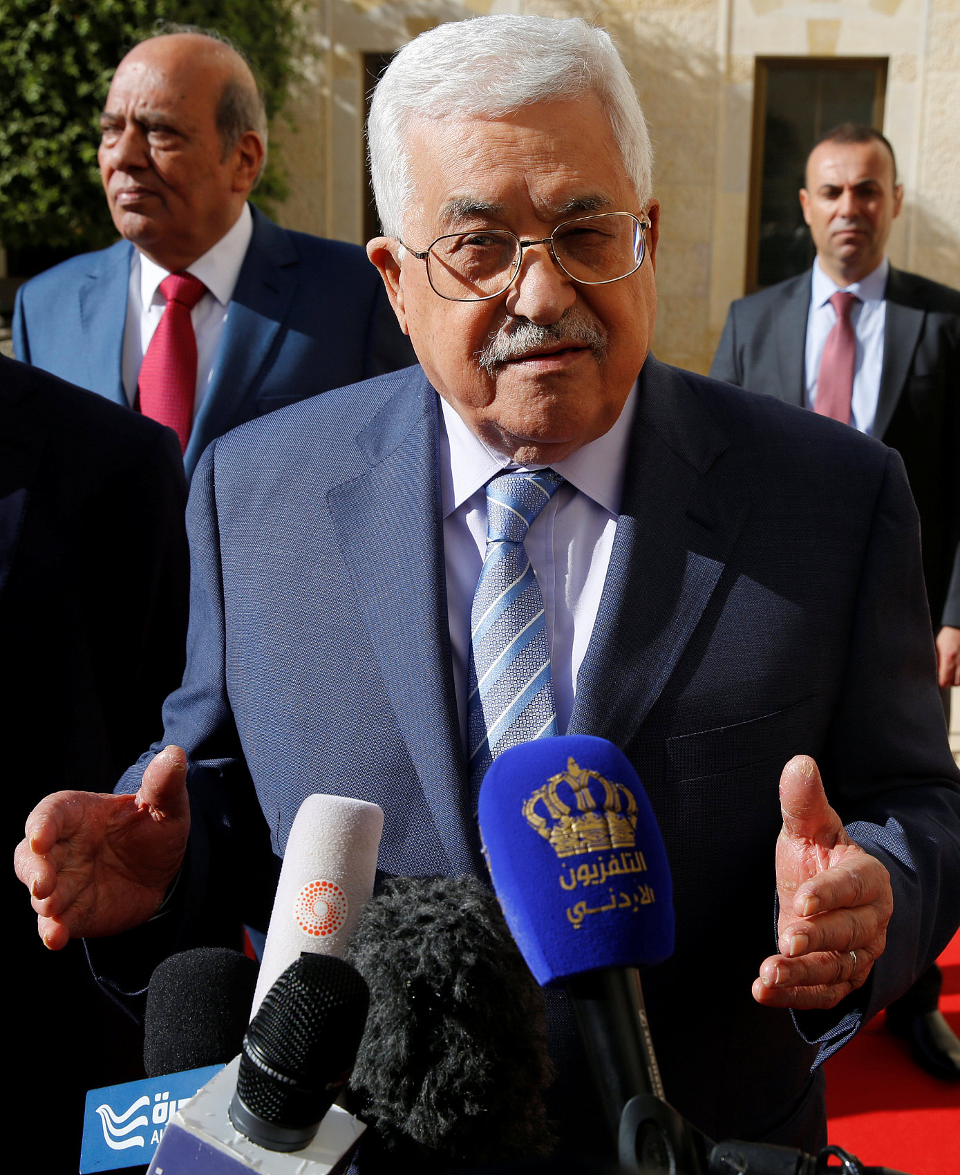 Abbas hails China's support for Mideast peace