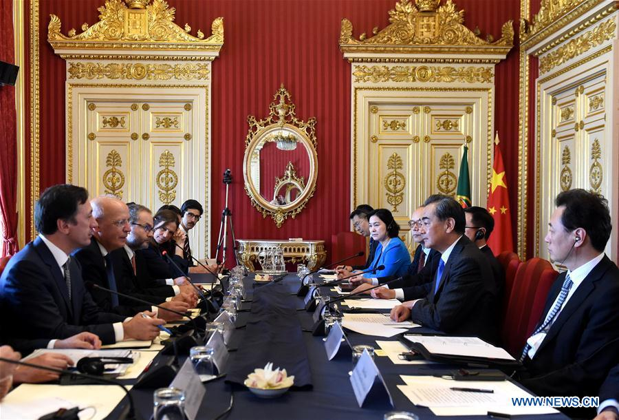Chinese, Portuguese FMs hold talks to deepen bilateral cooperation